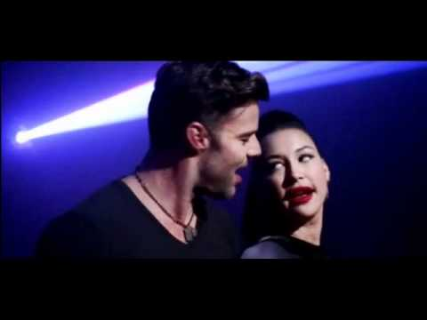 Glee Cast- La Isla Bonita ft. Ricky Martin! (with lyrics)